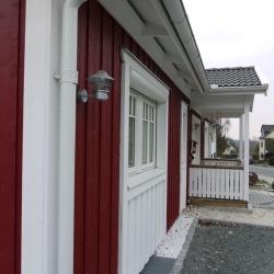 schwedenhaus-detail-fenster-rinne-1