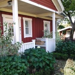 schwedenhaus-impression-eingang-vorgarten