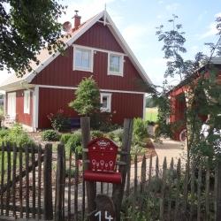 schwedenhaus-impression-vorgarten