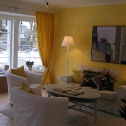 schwedenhaus-innen-wohnzimmer