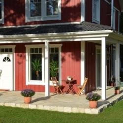 schwedenhaus-impression- terrasse-eingang-1